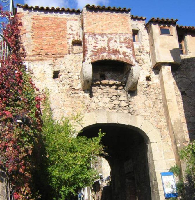La porte génoise de la citadelle.2