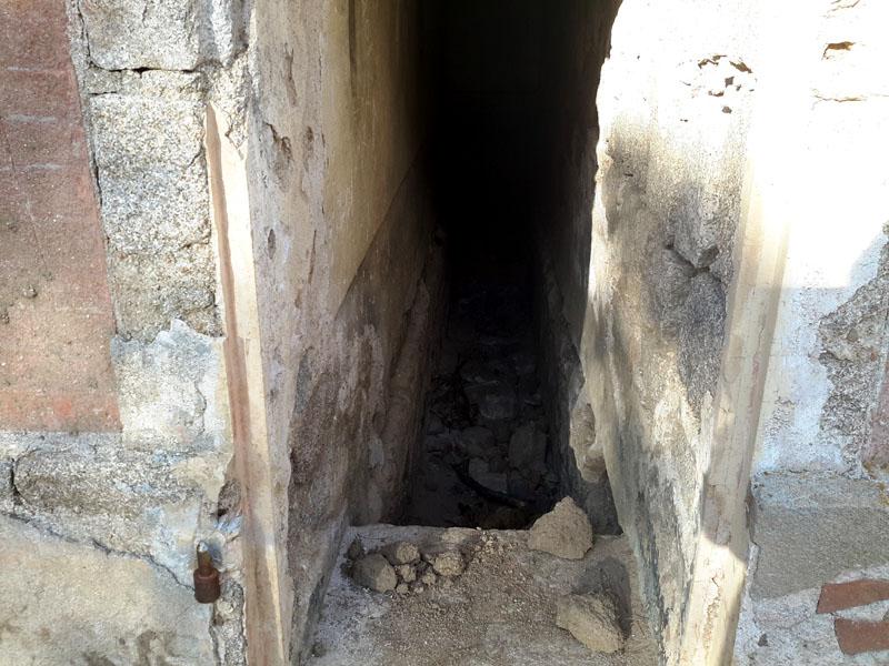 intérieur du tombeau de Coti Chiavari