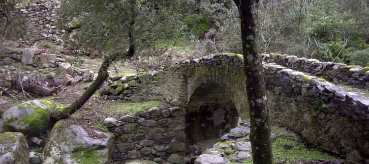 pont génois de castiglione
